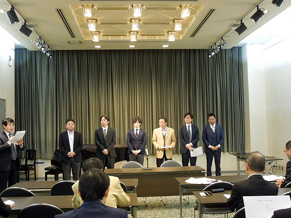 高野会長から平成29年度 各部会長発表